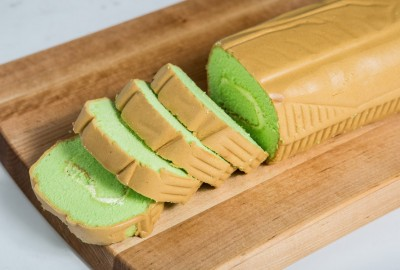 Coconut Pandan Swiss Roll